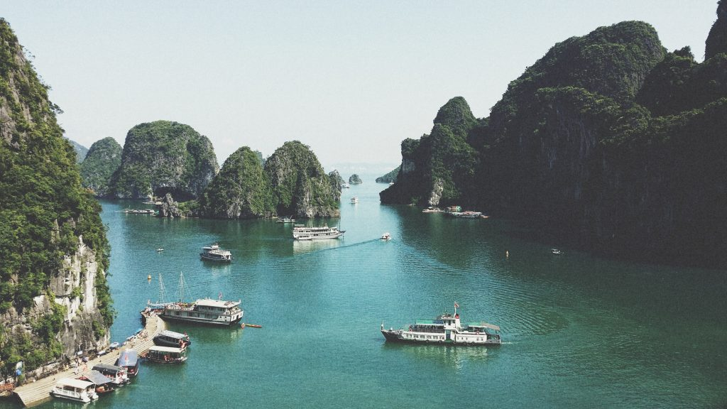 Visit Gorgeous Halong Bay