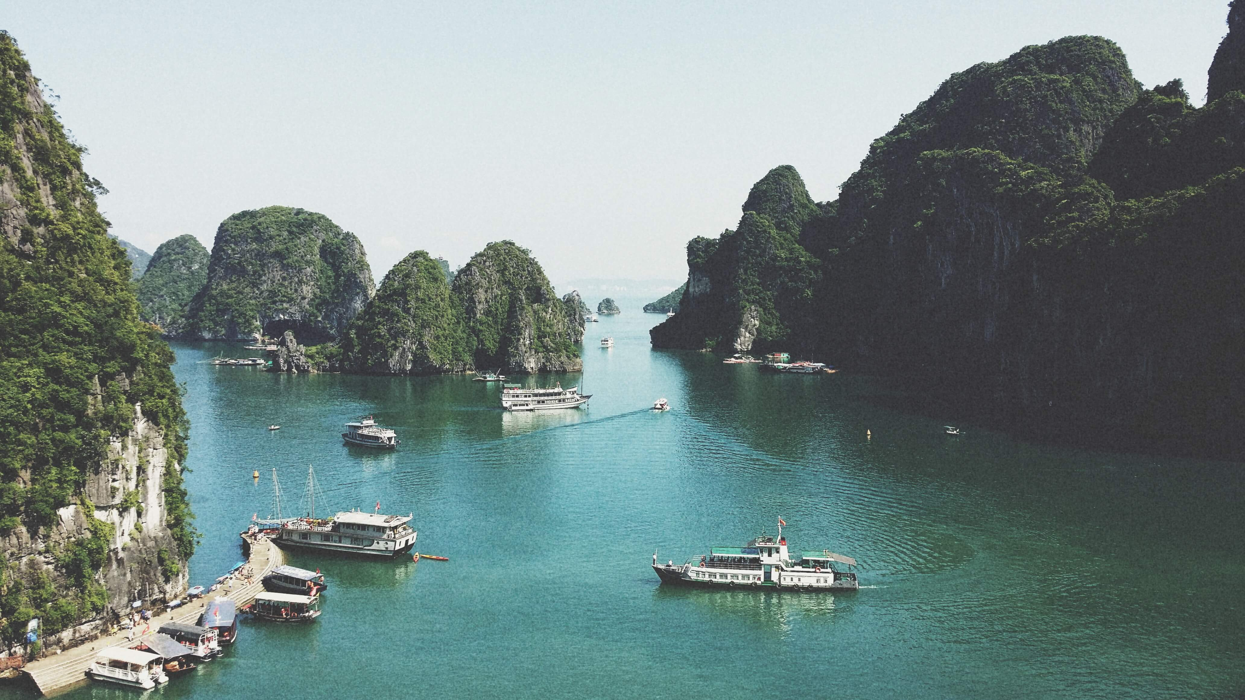 Halong Bay, visit Halong Bay, Family holiday, Best places Vietnam, When to go to Halong Bay, How to go to Halong Bay