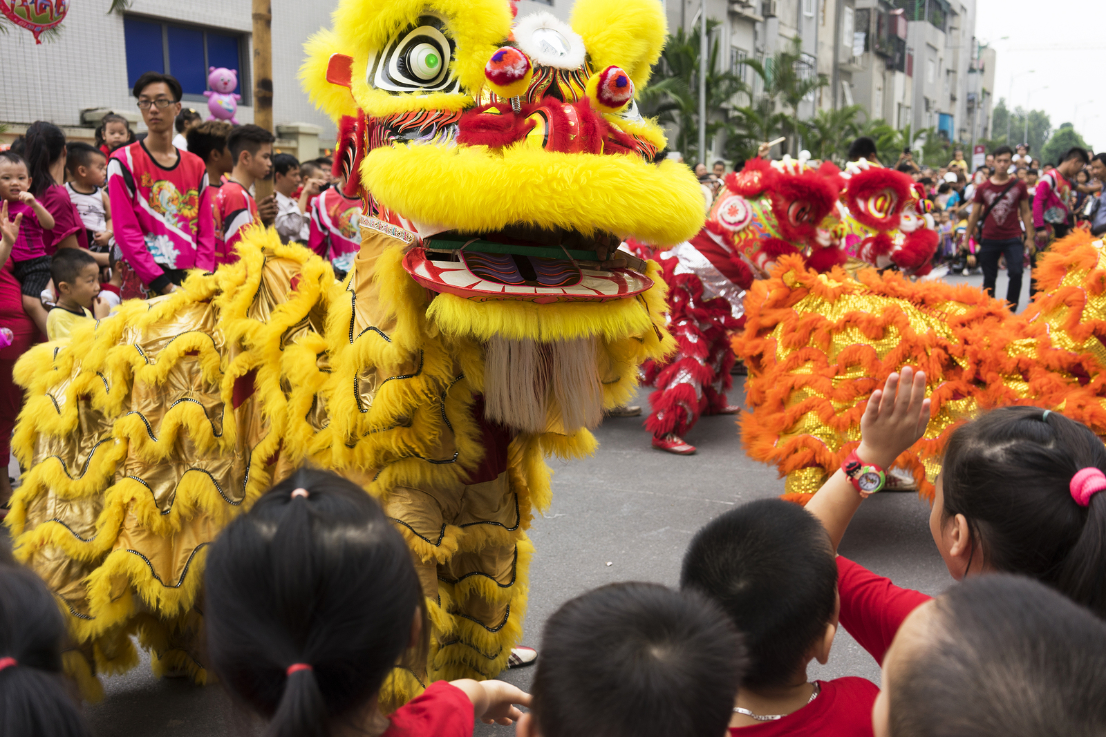 mid-autumn Vietnam, Mid-autumn festival, mooncakes, saigon happenings, grapevyne, where to go for mid autumn festival in Saigon, vietnamese celebrations, lion dances in Ho Chi Minh, dragon boat racing in Ho Chi Minh, HCMC festivities, public holidays
