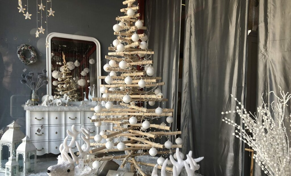 Where to buy a wooden Christmas tree in Saigon
