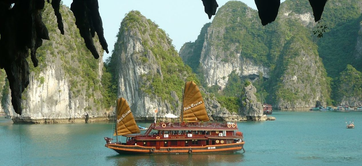 Halong Bay, Grapevyne, Weekend away in Vietnam, Family travelling Vietnam, best spot to visit in Vietnam, must do destination Vietnam, travelling Ho Chi Minh City, where to go in Vietnam, what to do in Vietnam